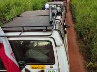 colonna-delle-auto-dei-turisti