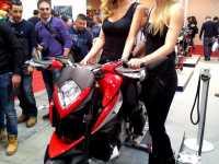 motodays_mancini_fiera-di-roma2013_girls_azione15