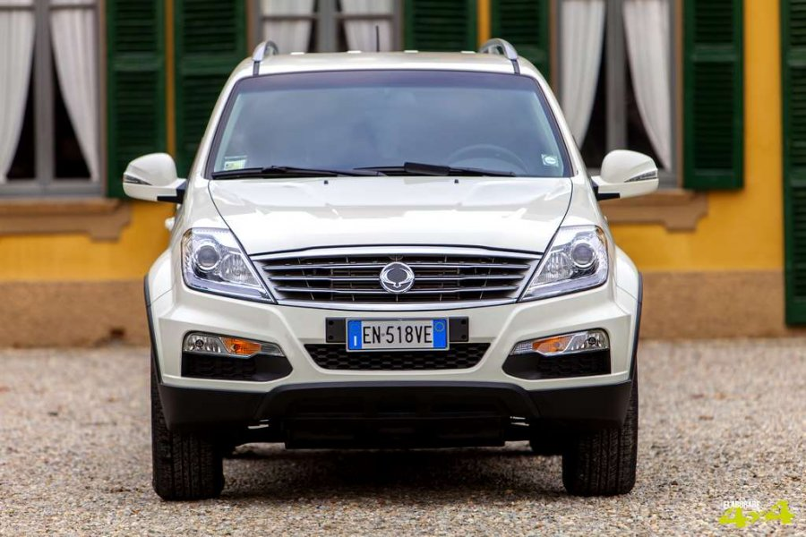 rexton-w-by-ssangyong-201310