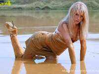 top_girls_mud_4x4_33