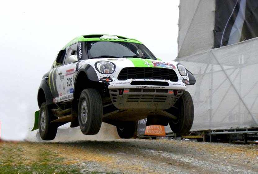 italian_baja_2013_cross_country_jump_salto046_MINI