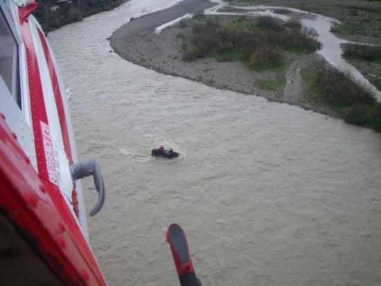 fiume-simeto-catania-fuoristrada-patrol-soccorso-elicottero-naugfragio