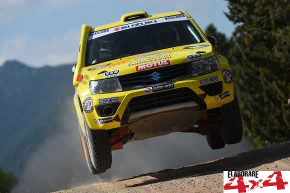 Dalmazzini-Fiorini su Suzuki Grand Vitara al Rally Sardegna