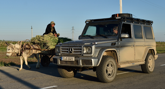 Mike Horn con Mercedes-Benz Classe G in viaggio verso il K2
