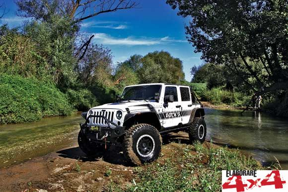 Jeep-Wrangler-JK-Unlimited-Sahara